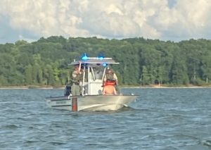 TWRA officers giving Seated Battery SFST tests to boater